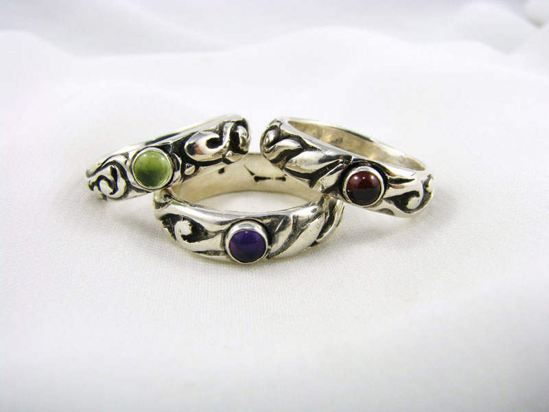 Vine Ring with Stone