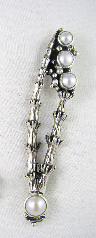 Horsetail Brooch