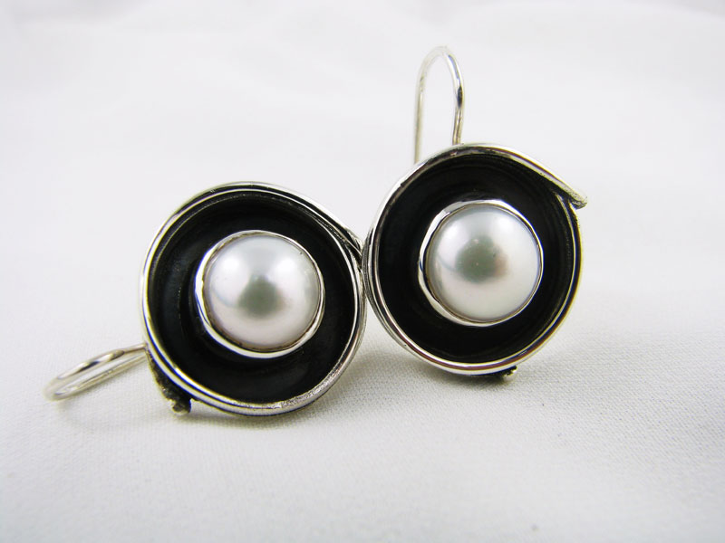 Small Fused Pearl Earring on Wireback